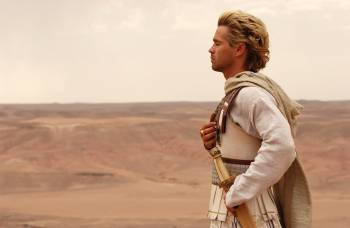Colin Farrell as Alexander surveying the battlefield of Gaugamela